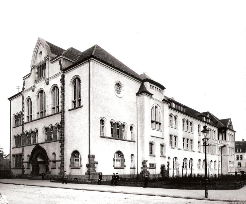 Gebäude der damaligen Krupp-Oberrealschule im Jahr 1910