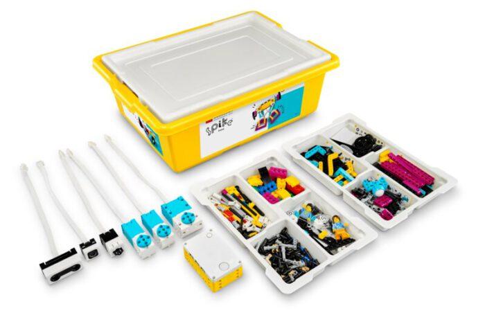 Förderverein der AKS schafft 12 Lego Roboter-Sets an